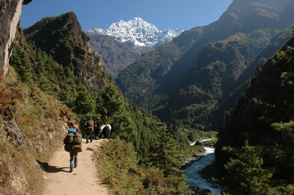towards phakding ¦ Pictures > Nepal > Everest