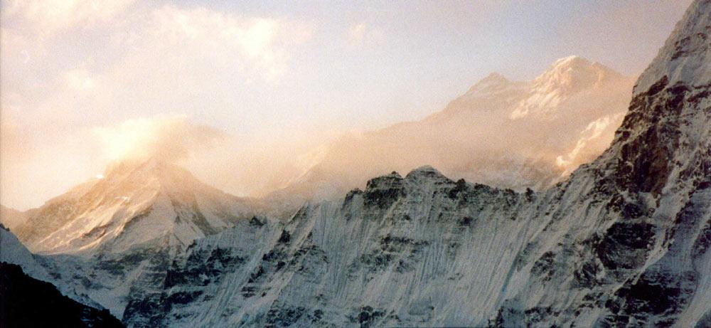 http://www.myhimalayas.com/kangchenjunga/image/kangchenjunga.jpg